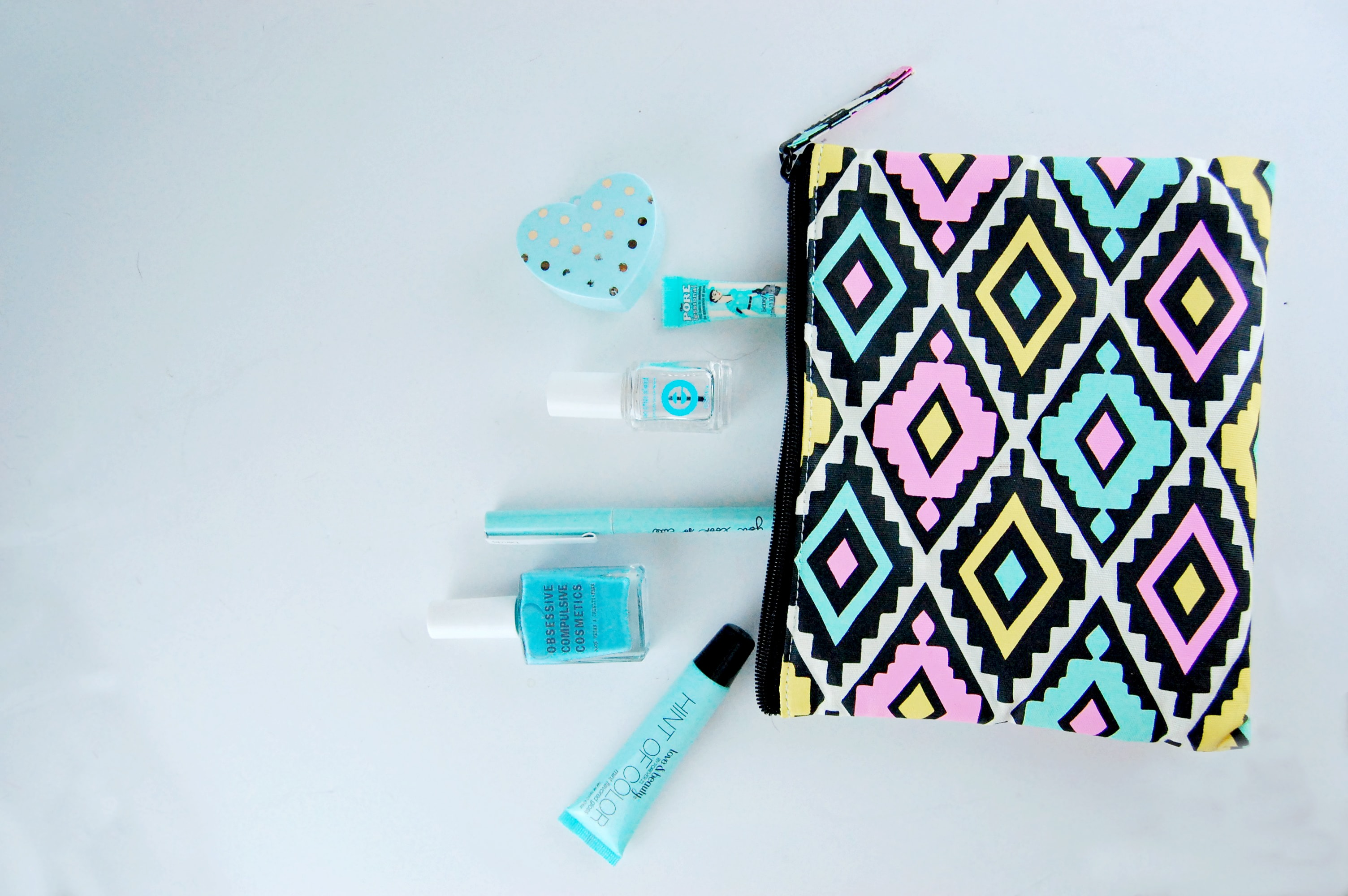 blue_makeup_bag